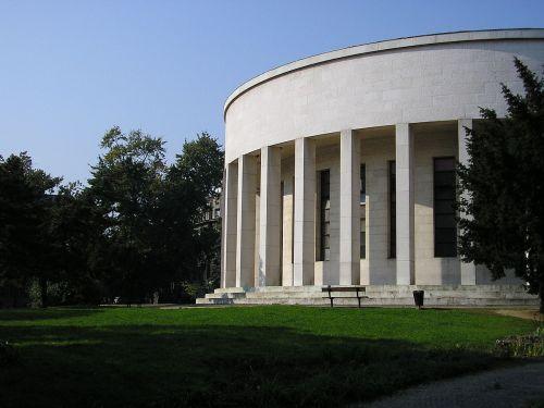 1200px-ZagrebMestrovicevPaviljon